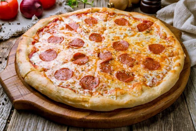 Primo Piatto Italian Restaurant Pizzeria Huntington NY Pepperoni pizza dine-in takeout delivery online ordering